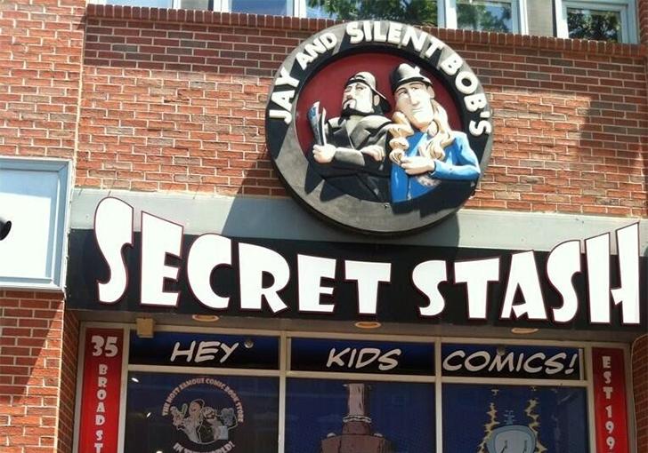 http://loanpride.com/wp-content/uploads/2017/08/Kevin-Smith-Jay-and-Silent-Bobs-Secret-Stash.jpg